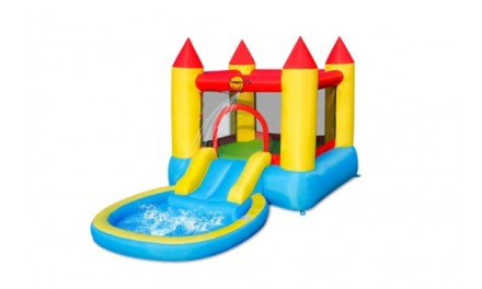 Château gonflable avec piscine
